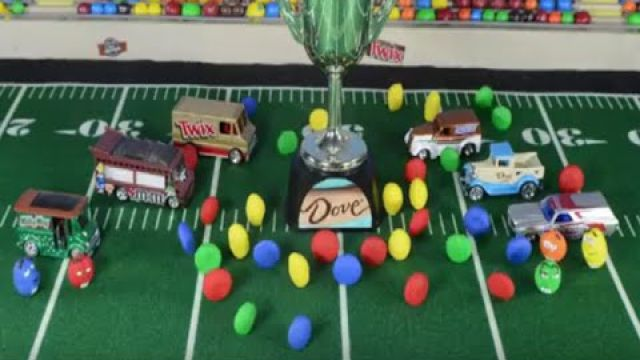 M&Ms Chocolate Bowl - Stop Motion